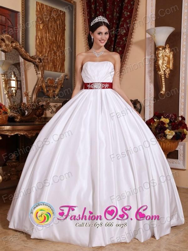 Cardenas Cuba White New Beaded Ribbon Elegant Sweet sixteen Dress ...