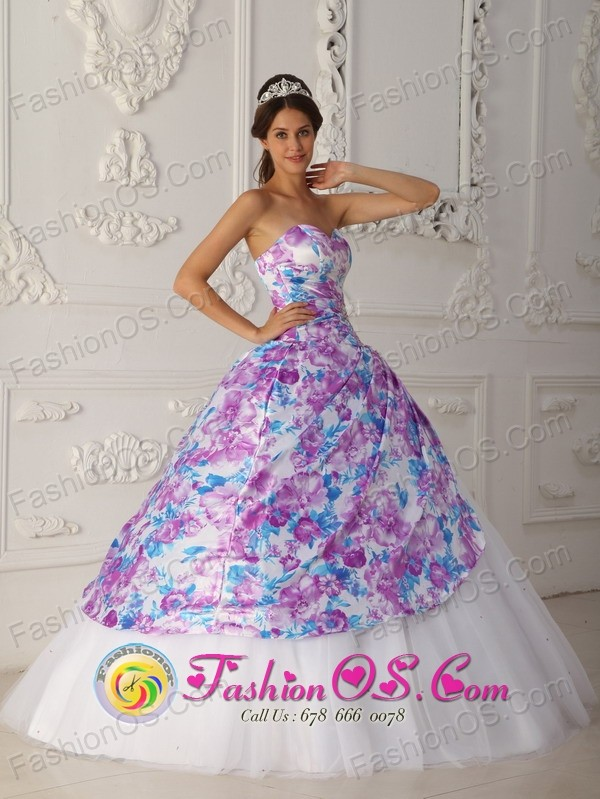 Contramaestre Cuba Multi-color Printing and Tulle Vintage Sweet sixteen Dress Sweetheart Appliques A-line For 2013 Style QDZY332FOR