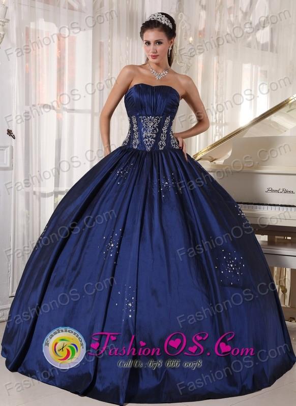 Guantanamo Cuba 2013 Navy blue Sweet sixteen Dress Embroidery and ...