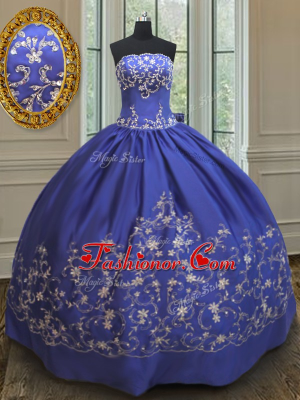 Embroidery and Bowknot Quinceanera Dress Royal Blue Lace Up Sleeveless Floor Length