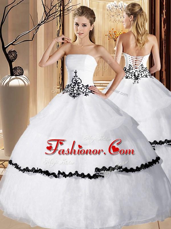 Ruffled Floor Length Ball Gowns Sleeveless White Quinceanera Dress ...