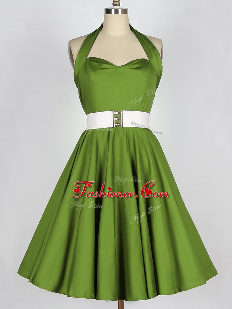 Simple Olive Green A-line Halter Top Sleeveless Taffeta Knee Length Lace Up Belt Quinceanera Court Dresses