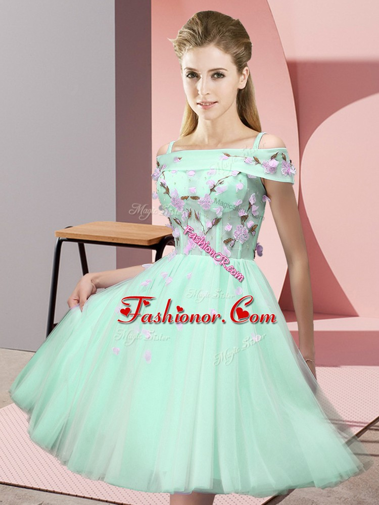Off The Shoulder Short Sleeves Quinceanera Dama Dress Knee Length Appliques Apple Green Tulle