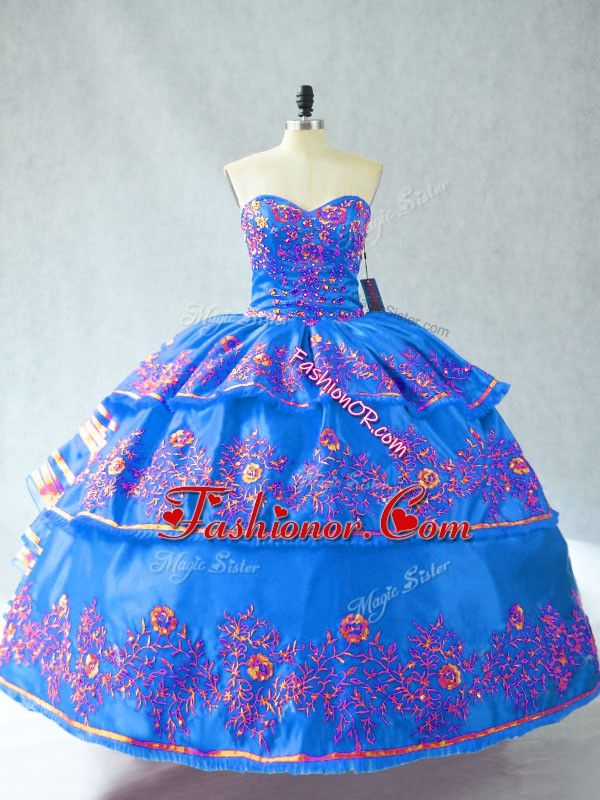 Sleeveless Embroidery Lace Up Quinceanera Dresses