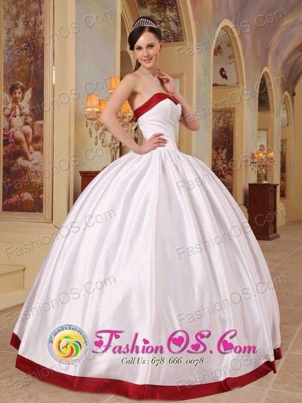 Alto Jahuel Chile Sweetheart White and Red Beautiful Quinceanera ...
