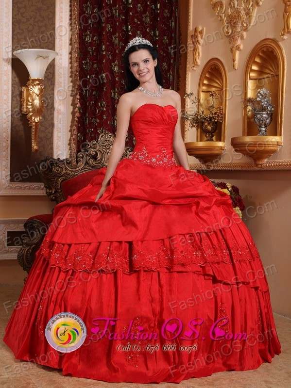 Beautiful Red Ball Gowns Photo Album - Hausse