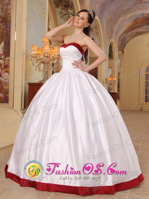 Sweetheart White and Red Beautiful Quinceanera Dress With Satin ...