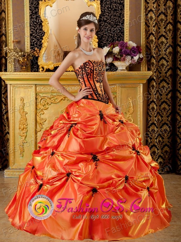 Tecate Mexico Wholesale Strapless Taffeta Embroidery and Appliques for  Orange Pick-ups Quinceanera Dress Style QDZY035FOR