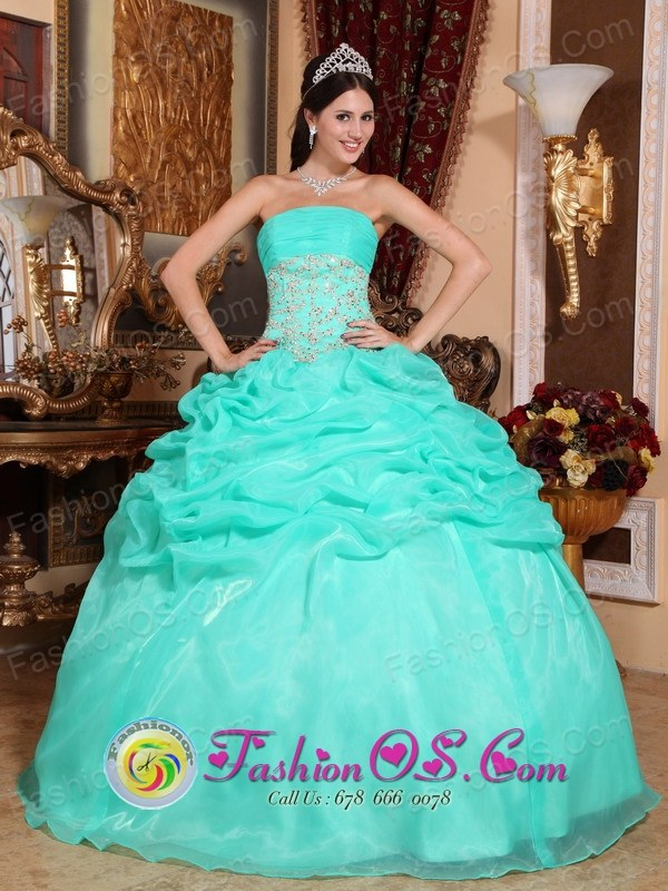 Arequipa Peru Stylish Turquoise Organza wholesale Quinceanera Dress With Strapless Appliques And Ruffles Decorate for Sweet 16 Style QDZY646FOR