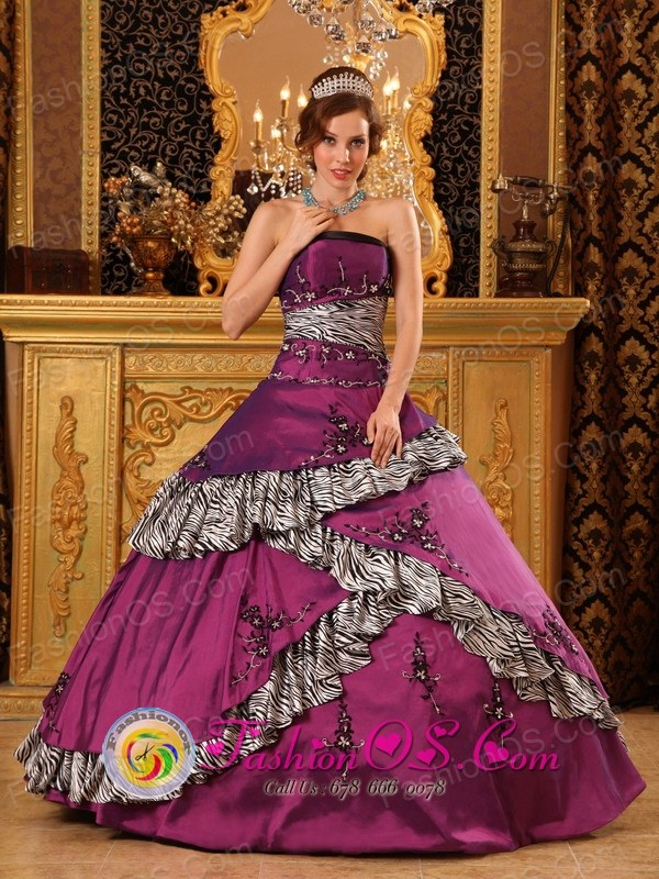 Sicuani Peru 2013 Strapless Embroidery Zebra Dark Purple wholesale Quinceanera Dress With Taffeta Ball Gown Style QDZY074FOR