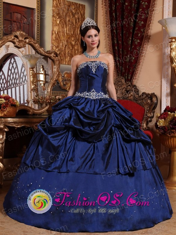 2013 Navy Blue Wholesale Pick-ups Appliques and Embroidery Gorgeous Quinceanera Dress Custom Made In Ejido Venezuela Style QDZY675FOR