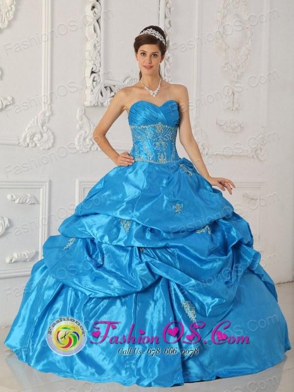 Venezuela dress style