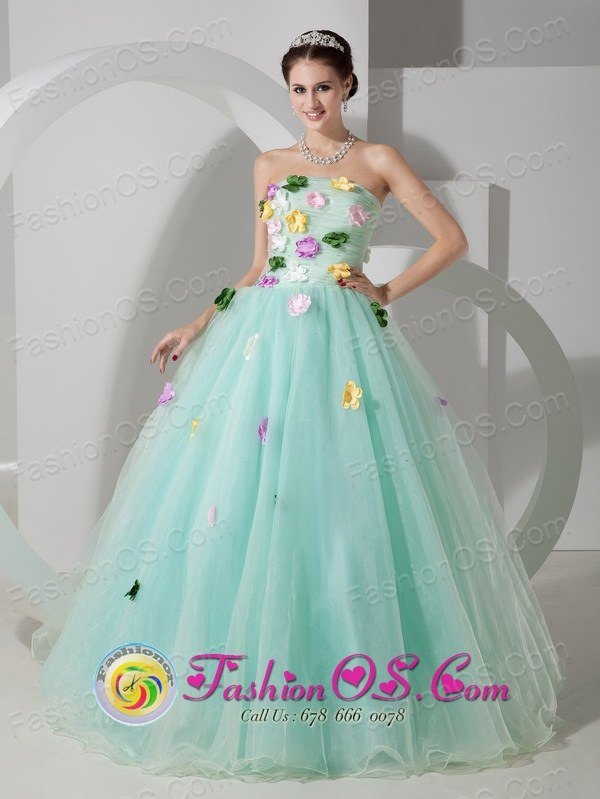 Aguachica Colombia Wholesale Apple Green Organza A-line Quincenera Dress With Colored Hand Made Flowers Style MLXNHY03FOR