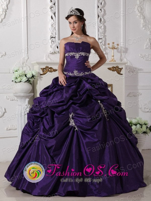 Wear The Super Hot Purple Exquisite Appliques Decorate Quinceanera ...