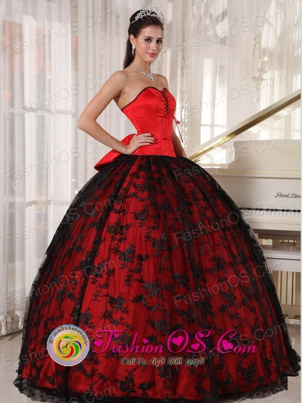 Black and Red Quinceanera Dress Lace and Bowknot Decorate Bodice ...