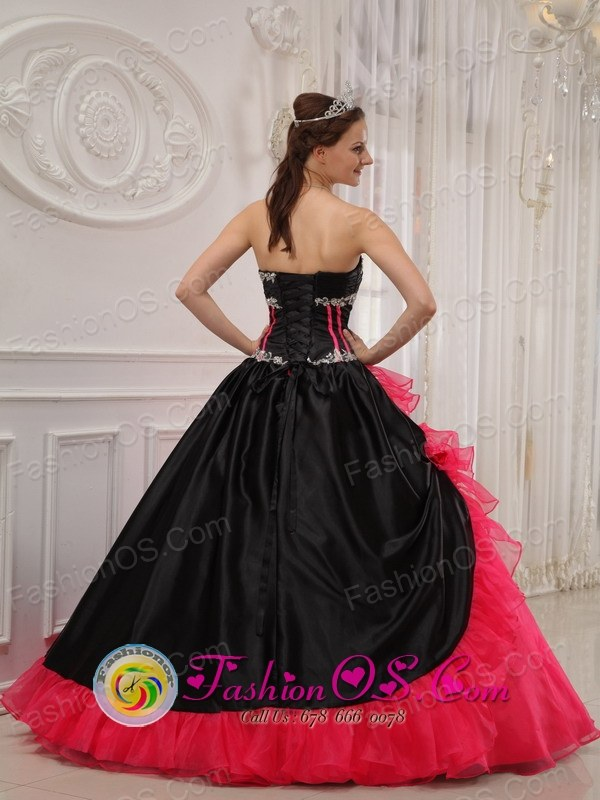 Spring Appliques Beautiful Black and red Quinceanera Dress ...