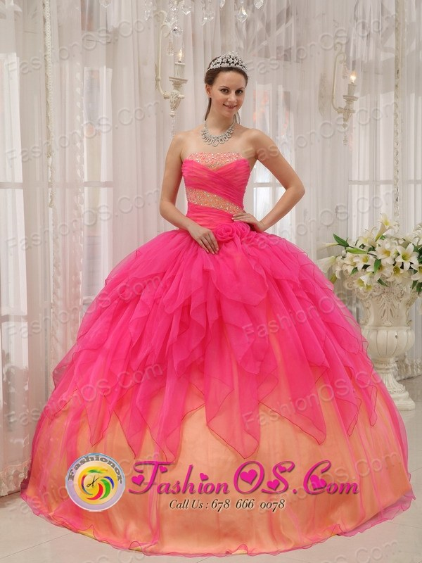 Sabanagrande Colombia Hot Pink and Gold Riffles Sweet 16 ...