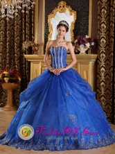 Customized Royal Blue Quinceanera Dress with Sweetheart Appliques and Pick-ups In Caseros Argentina Style QDZY110FOR