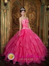Nuevitas Cuba Hot Pink 2013 Sweet sixteen Dress with Strapless Organza Appliques Ruffled Ball Gown Style QDZY003FOR