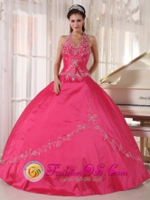 Red Halter Top Quinceanera Dress with Appliques Decorate Ball Gown for Military Ball in Santa Tecla   El Salvador  Style PDZY606FOR
