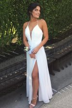 Halter Top Pleated White Sleeveless Chiffon Backless Prom Evening Gown for Prom and Party
