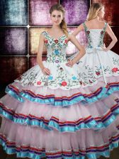 Eye-catching Straps Sleeveless Beading and Embroidery Lace Up Quinceanera Dresses