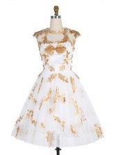 Lace Knee Length White Dress for Prom Scoop Sleeveless Zipper
