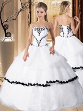 White Sleeveless Floor Length Beading and Embroidery Lace Up Vestidos de Quinceanera