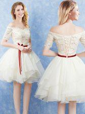 Romantic Off The Shoulder Short Sleeves Lace Up Vestidos de Damas Champagne Organza