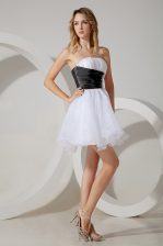 Inexpensive White and Black and White And Black Zipper Quinceanera Court of Honor Dress Beading Sleeveless Mini Length