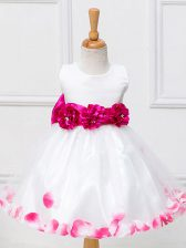 Custom Made Knee Length White Little Girls Pageant Dress Wholesale Tulle Sleeveless Appliques and Hand Made Flower