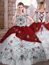 Sleeveless Taffeta Floor Length Lace Up Sweet 16 Dress in White And Red with Embroidery and Ruffled Layers