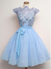 Knee Length Blue Quinceanera Dama Dress Chiffon Cap Sleeves Lace and Belt