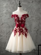 Sweet Sleeveless Knee Length Appliques and Bowknot Lace Up Dama Dress for Quinceanera with Champagne