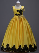 Sleeveless Taffeta Floor Length Zipper Little Girls Pageant Gowns in Yellow with Appliques and Bowknot