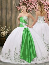 Sleeveless Organza Floor Length Lace Up Vestidos de Quinceanera in White with Embroidery and Belt