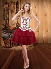 Luxurious Strapless Sleeveless Organza Prom Dress Embroidery Lace Up