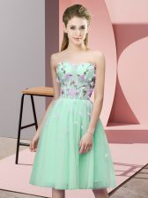 Dazzling Sweetheart Sleeveless Dama Dress for Quinceanera Knee Length Appliques Apple Green Tulle