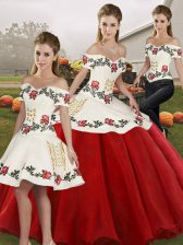 Affordable White And Red Organza Lace Up Off The Shoulder Sleeveless Floor Length Quinceanera Gown Embroidery