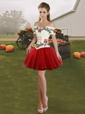 Best Selling Off The Shoulder Sleeveless Evening Dress Mini Length Embroidery Wine Red Tulle