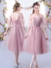 Sleeveless Tea Length Lace and Belt Lace Up Vestidos de Damas with Pink
