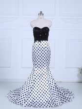 Enchanting White And Black Printed Zipper Sweetheart Sleeveless Dress for Prom Brush Train Lace