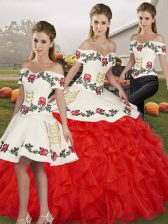 White And Red Off The Shoulder Neckline Embroidery and Ruffles Sweet 16 Dresses Sleeveless Lace Up