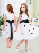 White Flower Girl Dress Wedding Party with Appliques and Hand Made Flower Scoop Sleeveless Zipper