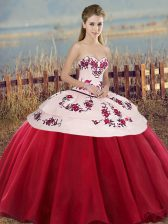 White And Red Quinceanera Gowns Military Ball and Sweet 16 and Quinceanera with Embroidery and Bowknot Sweetheart Sleeveless Lace Up