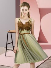 Yellow Tulle Lace Up V-neck Sleeveless Knee Length Damas Dress Appliques