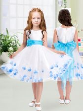 Deluxe White Tulle Zipper Scoop Sleeveless Knee Length Toddler Flower Girl Dress Appliques and Belt