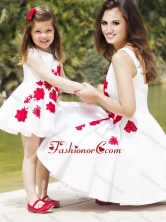 Classical Embroidered Prom Dress with Knee Length and Hot Sale Scoop Little Girl Dress in White DXZH011FOR