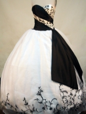 Beautiful Ball gown Sweetheart-neck Floor-length White And Black Quinceanera Dresses Style FA-C-091