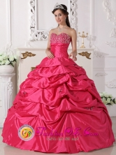 Acapulco Mexico Hot Pink Sweetheart Quinceanera Dress With Taffeta Beading and Pick-ups Custom Made Style QDZY672FOR